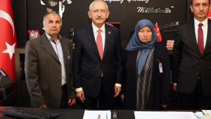 Kılıçdaroğlu'na anlamlı ziyaret: Afrin'de şehit olan Ali Gümüş'ün ailesi linç girişimini kınadı