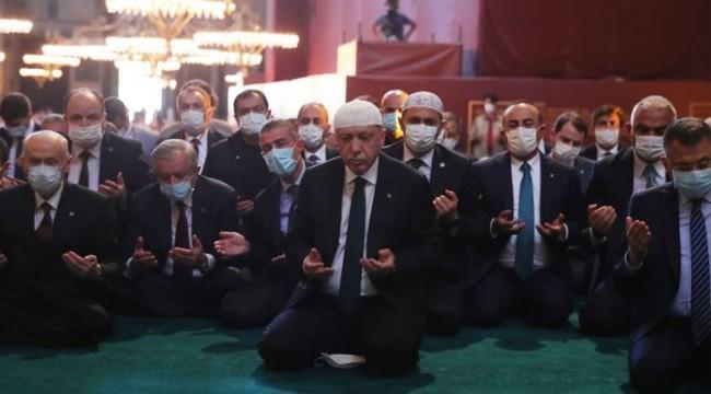 Eski AKP'li vekilden Ayasofya yorumu: İki amaçları vardı