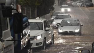 Meteoroloji'den İstanbul ve 8 il için ''sarı kodlu'' uyarı (Şiddetli yağışa dikkat)