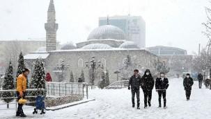 Yoğun kar yağışı uyarısı! İstanbul'a 1985 kışı geri dönüyor