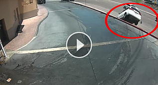 1 Saniye Sonra Olacaklara İnannamayacaksınız! Hayatınız boyunca görüp görebileceğiniz en fantastik kazayı izlemeye hazır olun