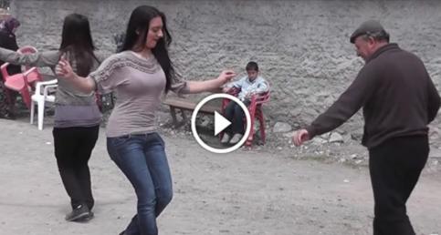 Köy Düğününde Baba ve Kızı Oyunlarıyla Hayran Bıraktı mutlaka izleyin..